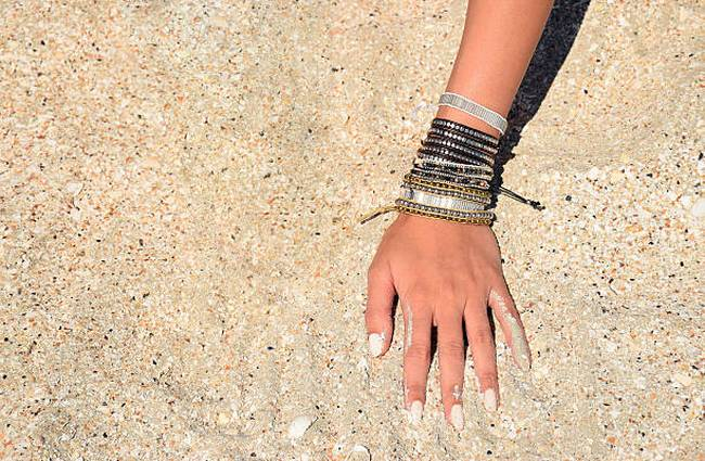 woman-bracelet-sand